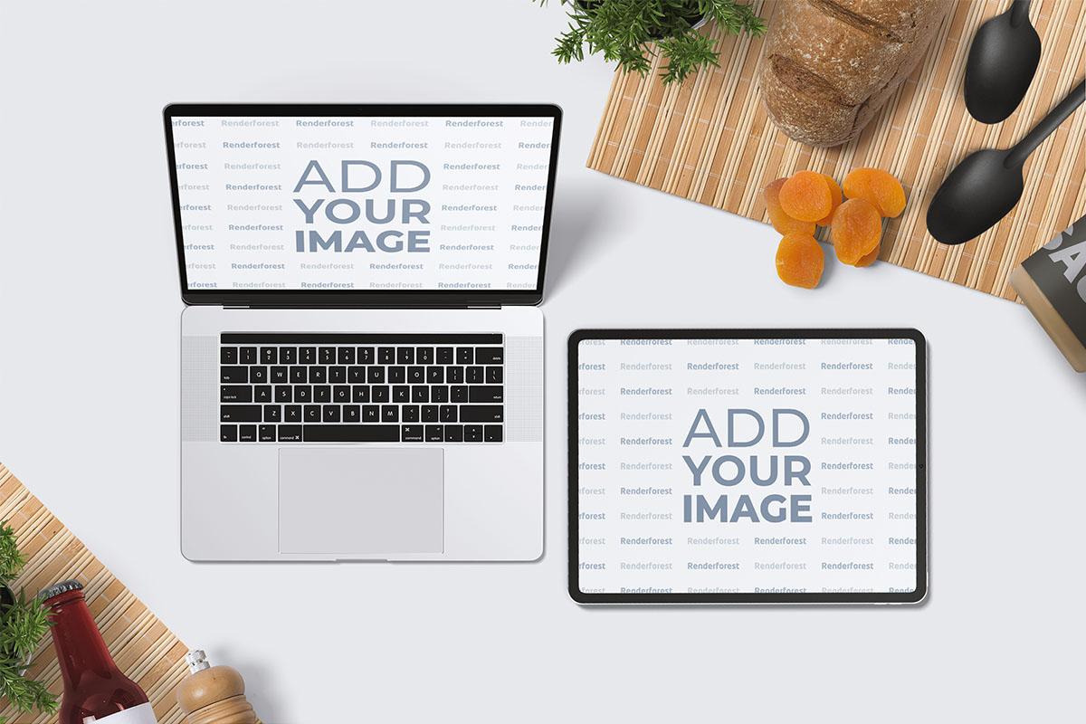 料理の背景にiPadとノート・パソコン