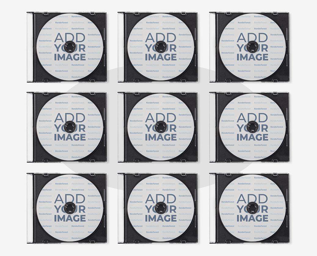 透明ケースや複数のCD