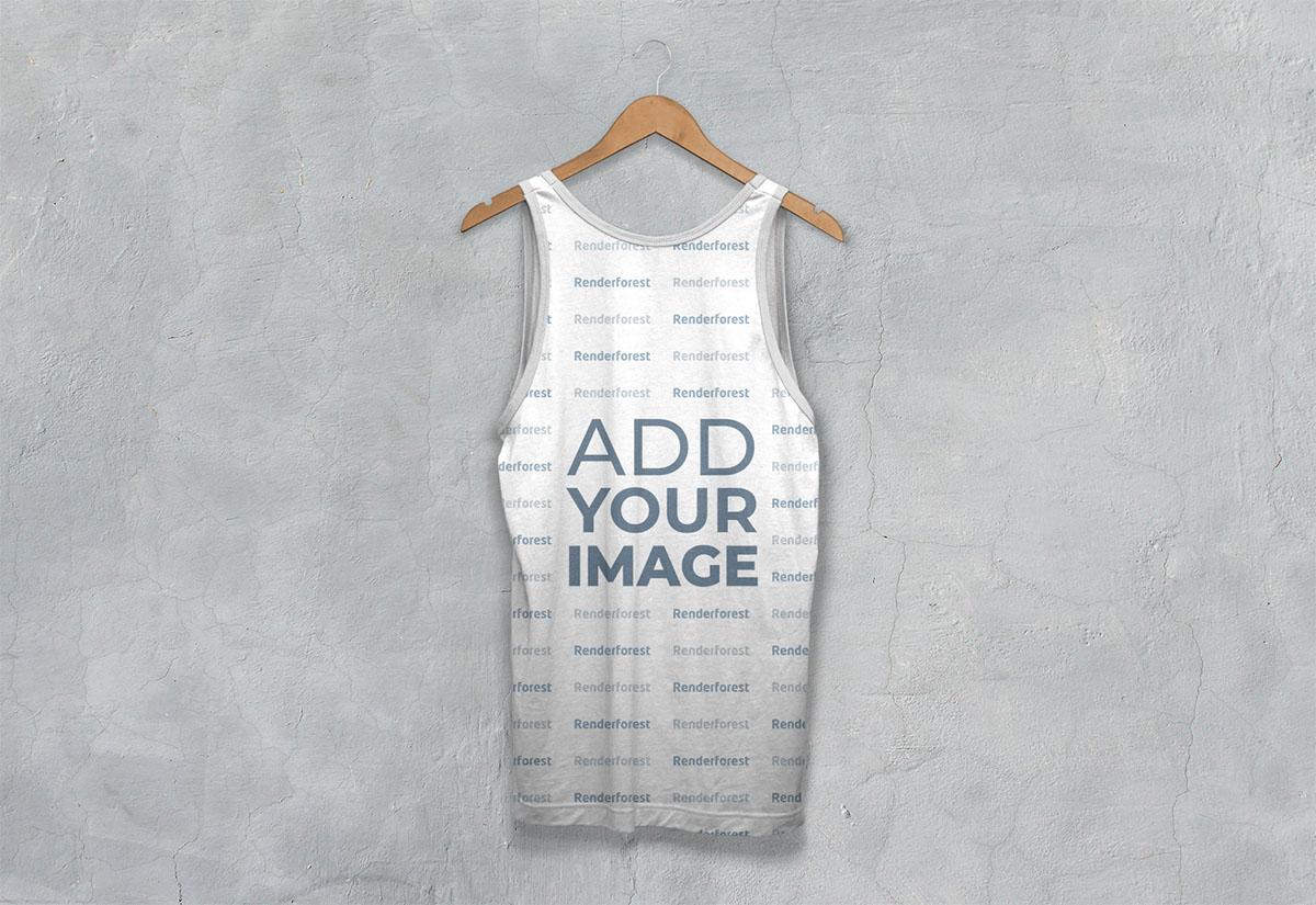 Vista posterior de camiseta atlética sin mangas en una percha