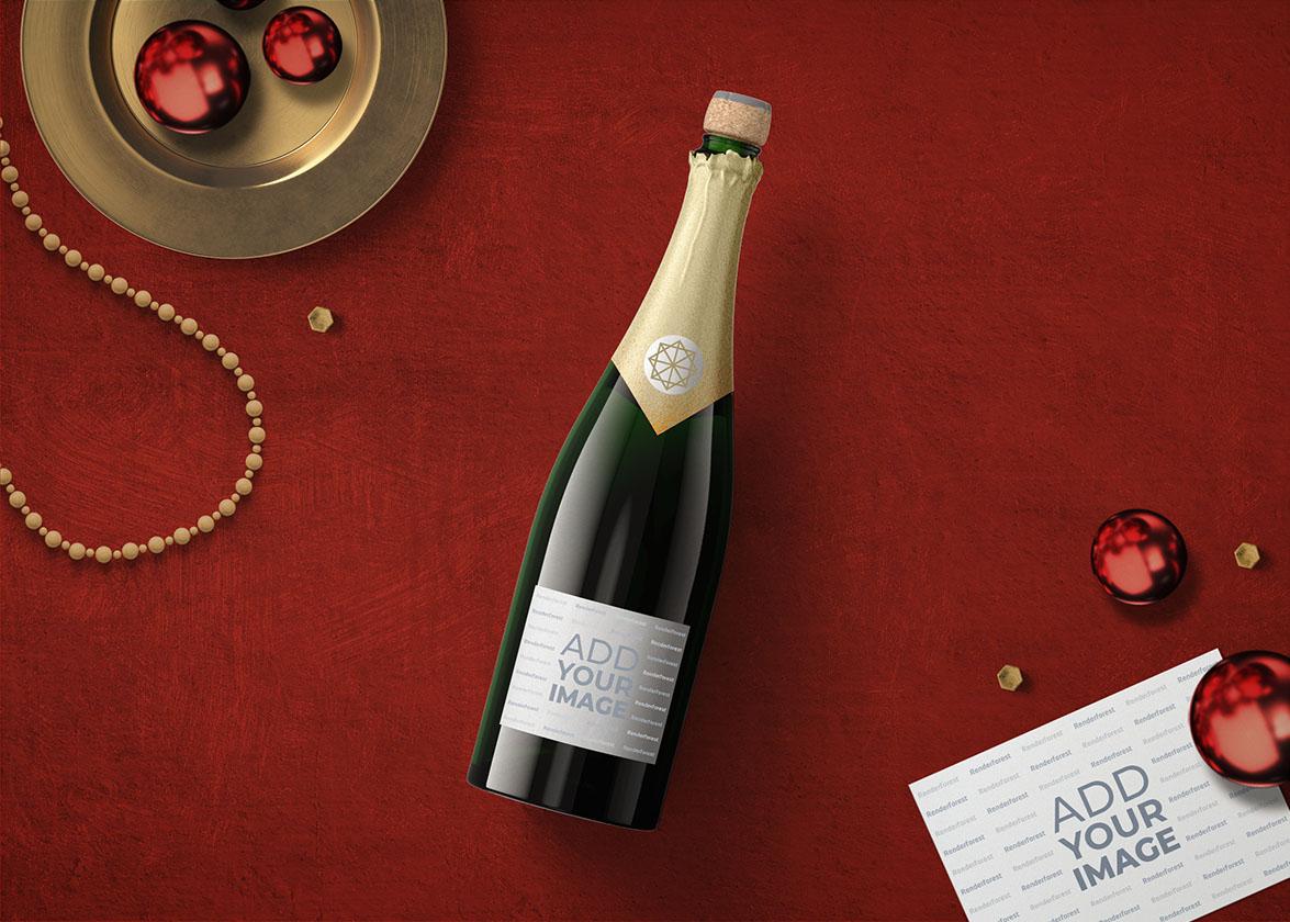 Шампанское, новогодние украшения и открытка