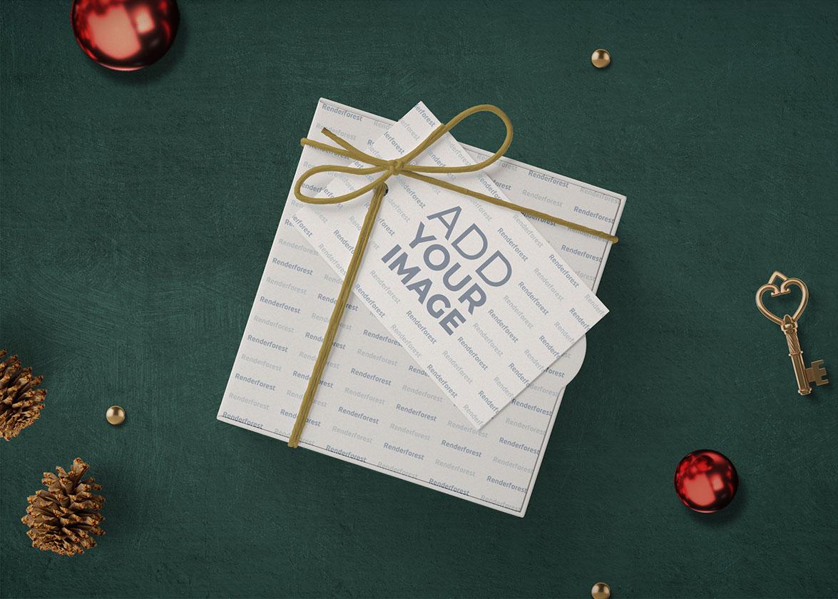 Новогодняя подарочная коробка с открыткой