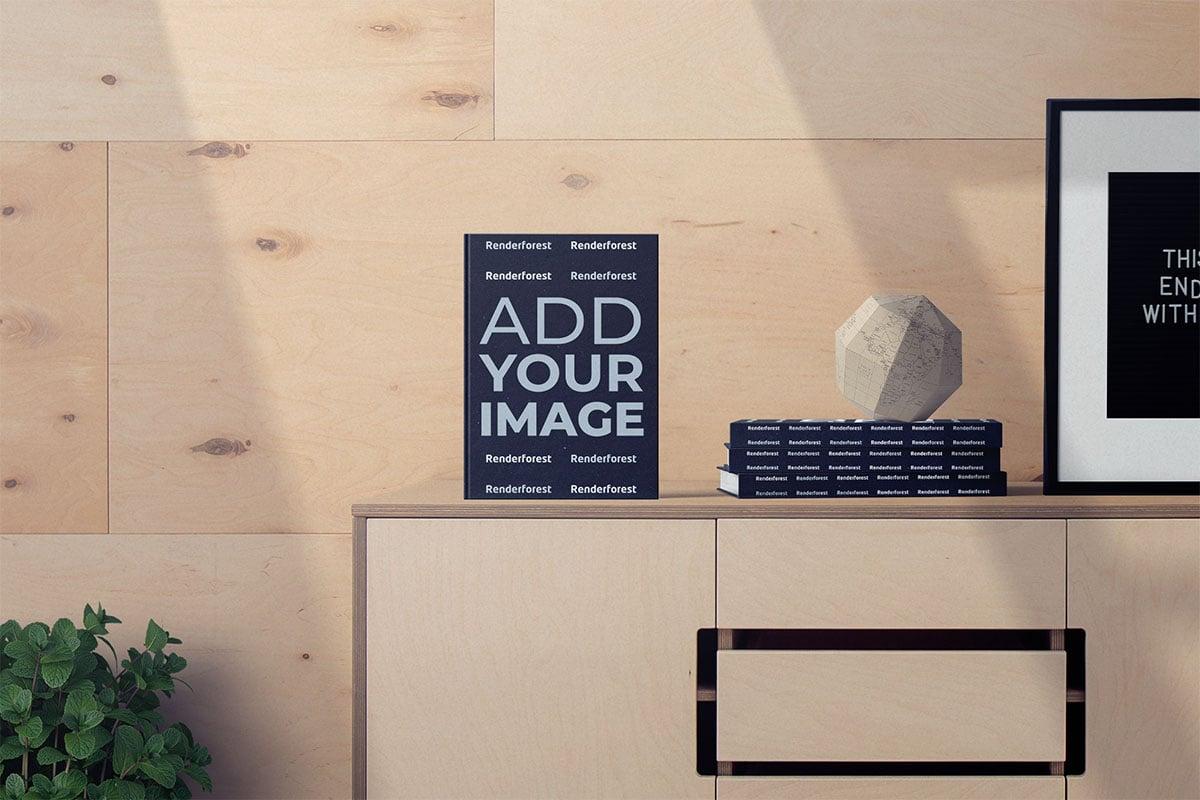 Livre debout à côté de l'empilement des livres sur une armoire