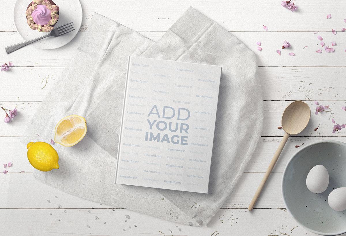 Dessert-Kochbuch auf einem Küchentisch
