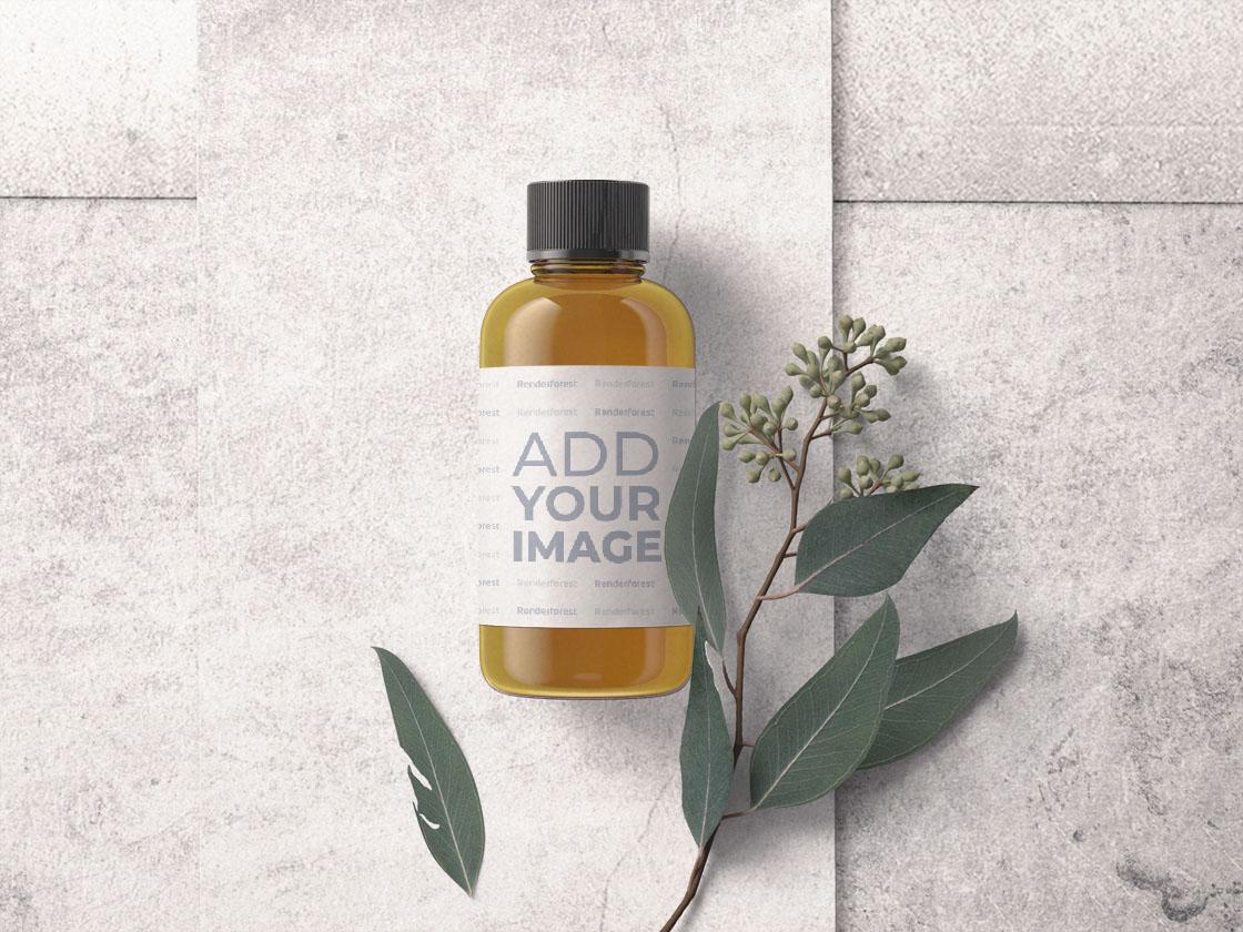 Kosmetikflasche mit einem Pflanzenzweig
