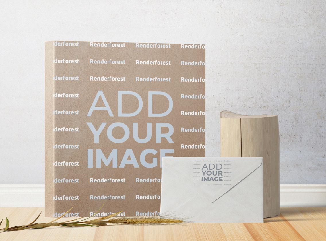 Caja de cartón, un sobre y un tronco