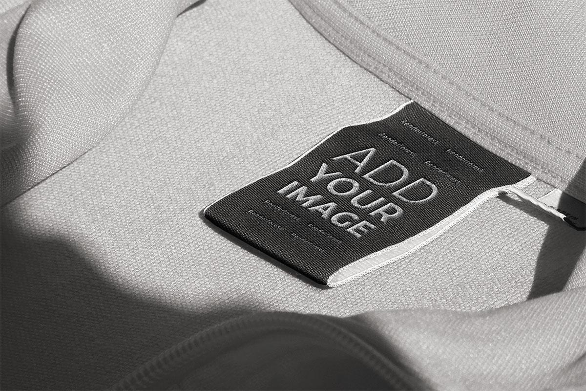 服のタグの拡大図