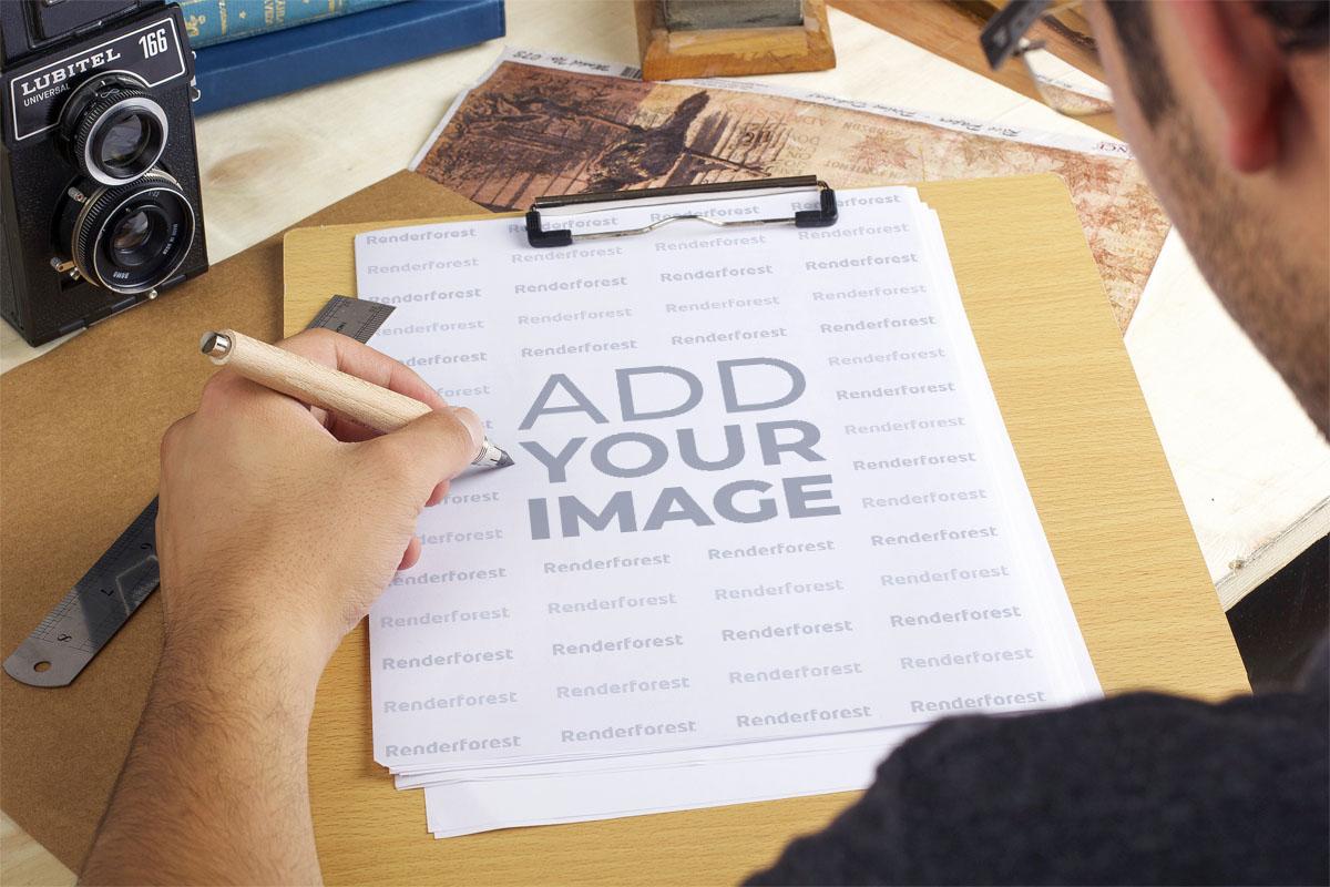 Планшет для рисования и ретро-камера