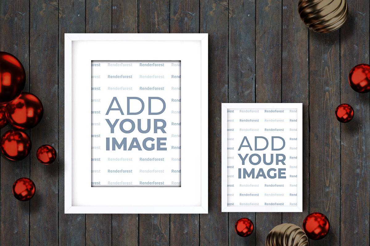 إطاران للصور على خلفية خشبية